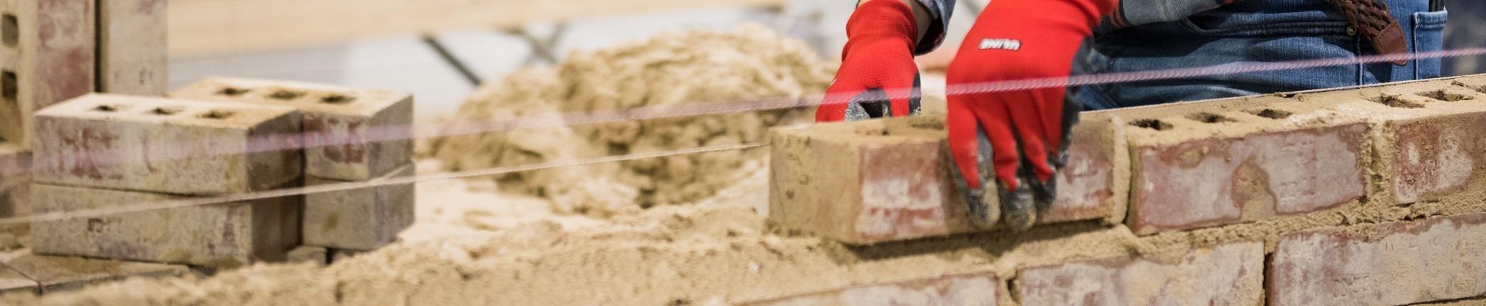 masonry-camp-learning-bricklaying-closeup.jpg